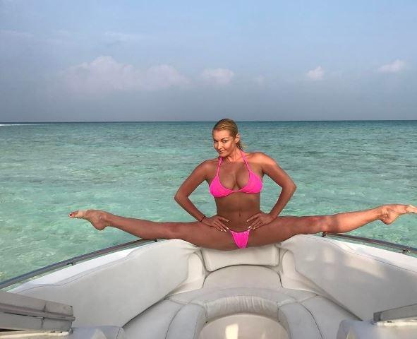 Анастасия Волочкова поделилась откровенными фотографиями с отдыха