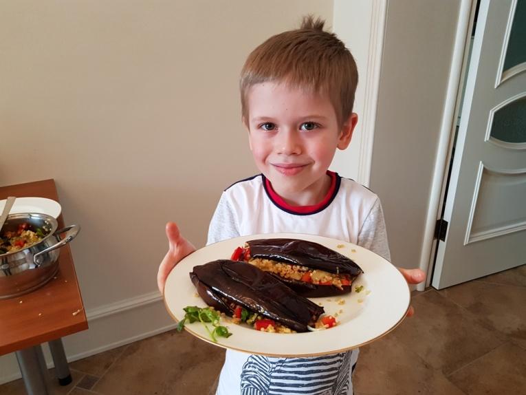 Назван лучший маленький повар России