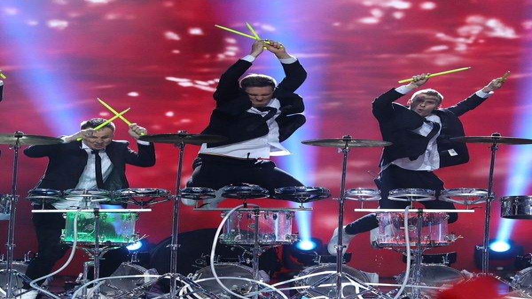 Барабанное шоу MiRRORS в Москве