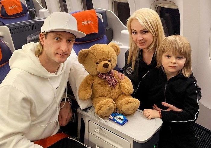 Яна Рудковская развеяла мифы о семье