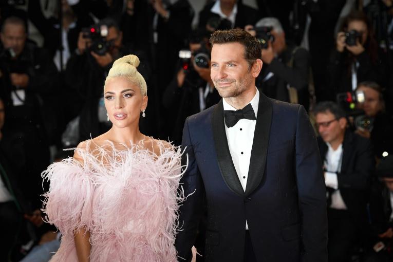 Слухи не врут: Леди Гага переехала в дом Брэдли Купера