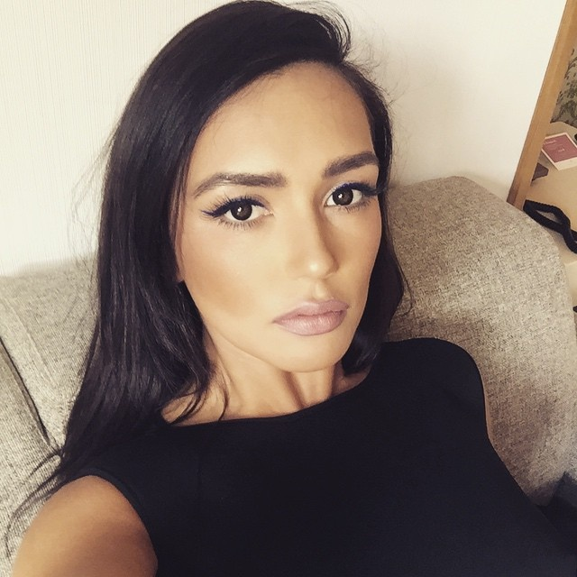 Ольга Серябкина удивила помпонами на голом теле