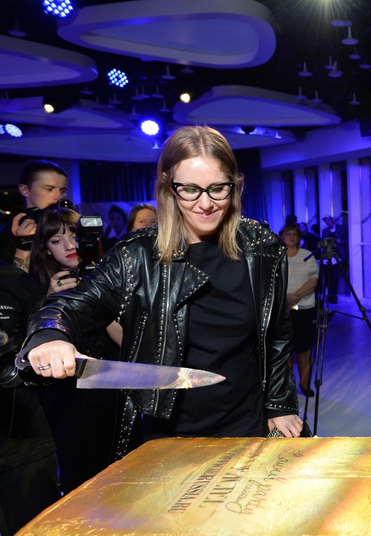 Ксения Собчак, Алена Ахмадуллина и другие знаменитости на вечеринке L'Officiel