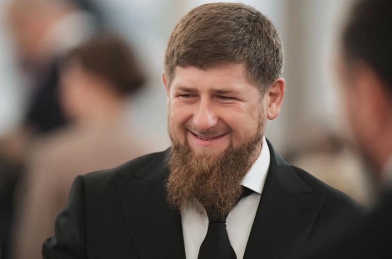 Рамзан Кадыров подарит автору лучшего стихотворения о Владимире Путине -  iPhone X