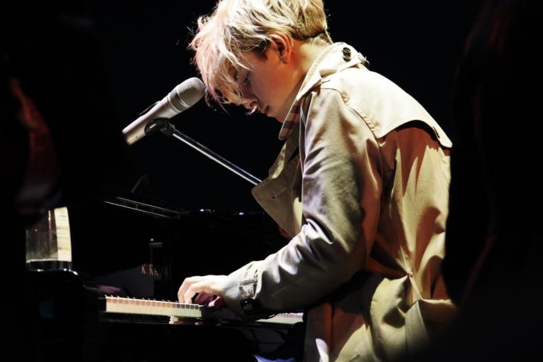 Том Оделл выпустил сингл в поддержку грядущего альбома