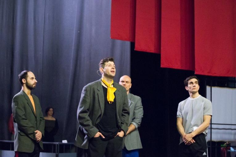 """""""Красивый, двадцатидвухлетний"""": мюзикл """"Маяковский"""" в Театре Луны"""