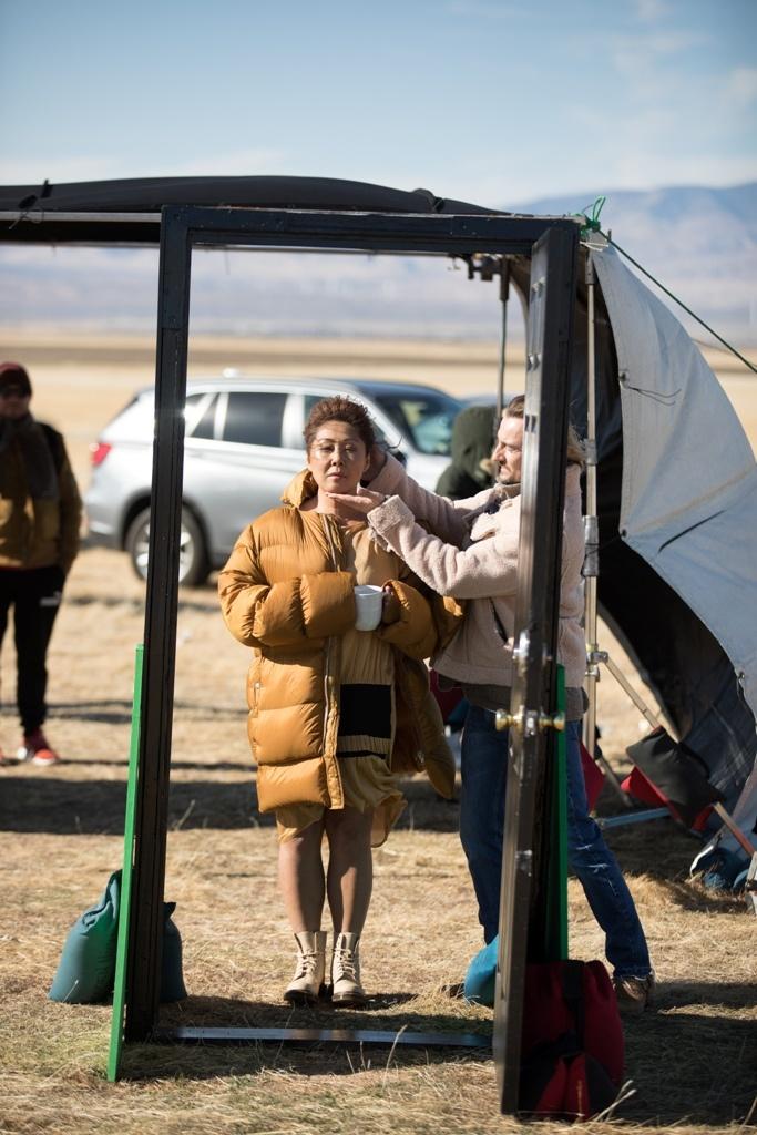 Анита Цой и Алан Бадоев показали любовь на троих