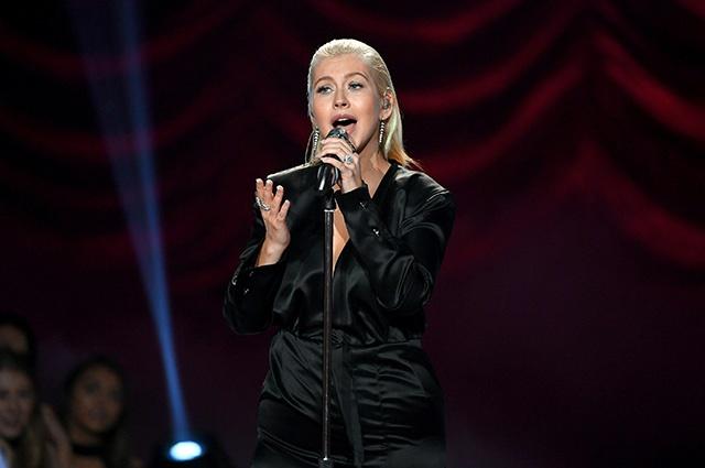 Кристина Агилера вернулась на сцену после долгого перерыва
