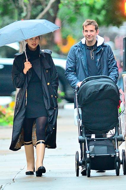Ирина Шейк и Брэдли Купер прогулялись под дождем