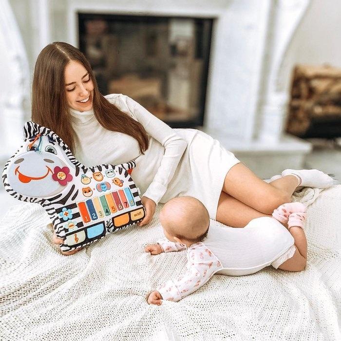 Анастасия Костенко показала подросшую дочь