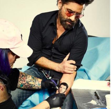 Джон Стамос сделал татуировку с Ником Джонасом