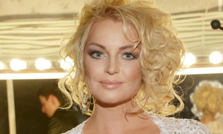 «Моя попа красивее лиц этих ущербных» — Волочкова рассказала, как относится к критике