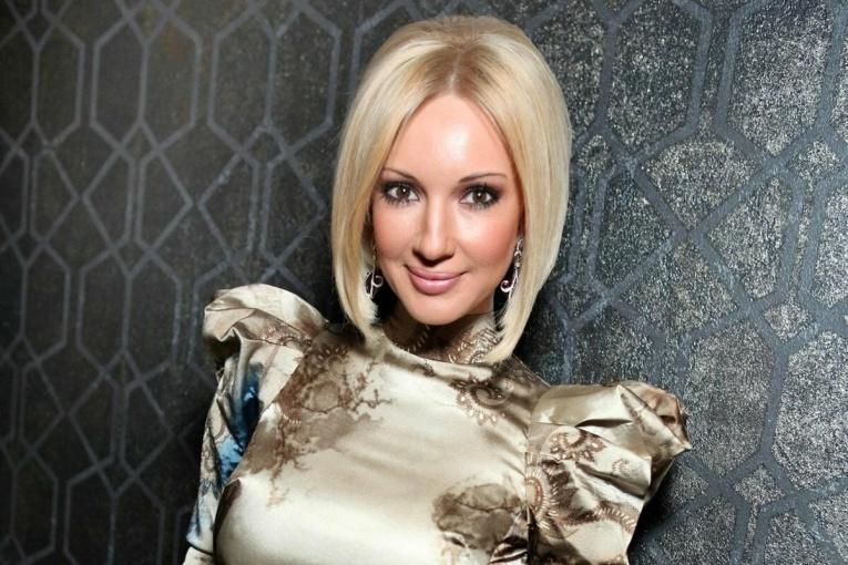 Лера Кудрявцева стала жертвой афериста