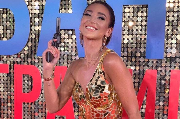 Ольга Бузова произвела фурор на премьере спектакля