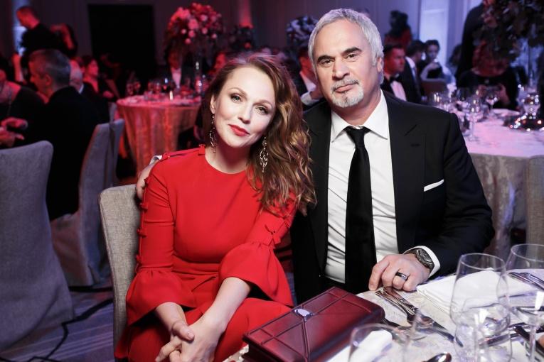 Валерий Меладзе устроил романтический сюрприз для Альбины Джанабаевой