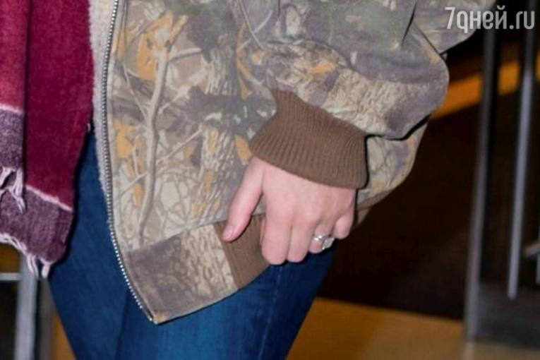 Фанаты наконец увидели обручальное кольцо Дженнифер Лоуренс
