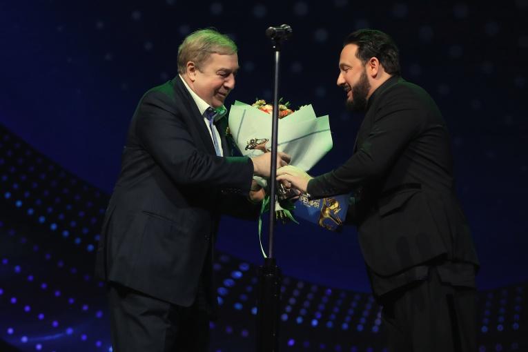 Премия «Виктория-2019»: триумф Zivert и Димаша Кудайбергенова