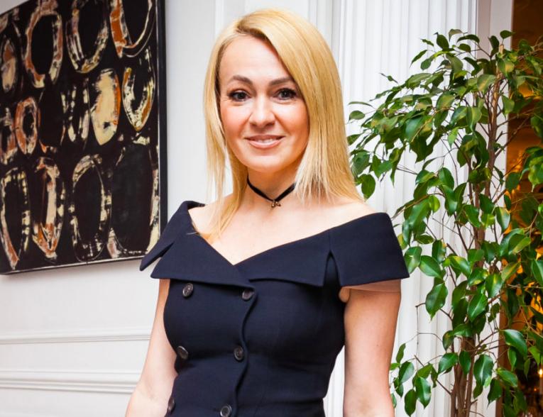 Яна Рудковская рассказала, сколько зарабатывает