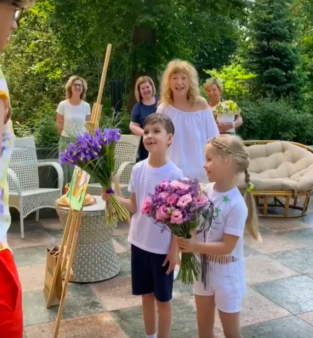 Пугачева и дети поздравили Галкина с днем рождения