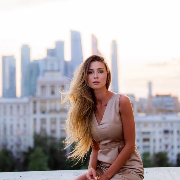 Анна Заворотнюк попросила помощи у фанатов