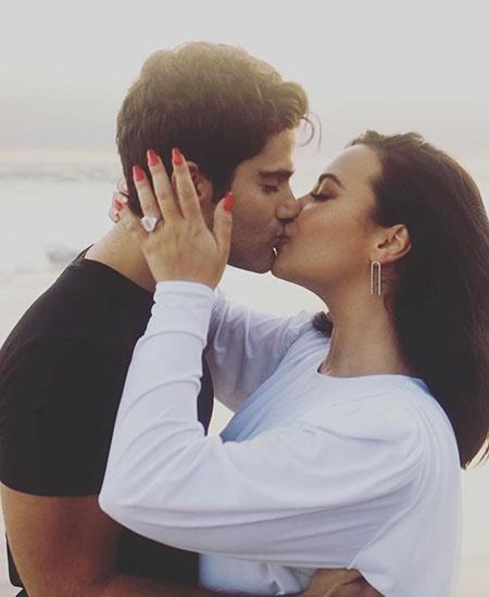 Деми Ловато объявила о помолвке