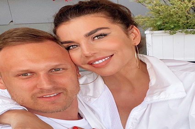 Анна Седокова и Янис Тимма дали интервью о своем знакомстве