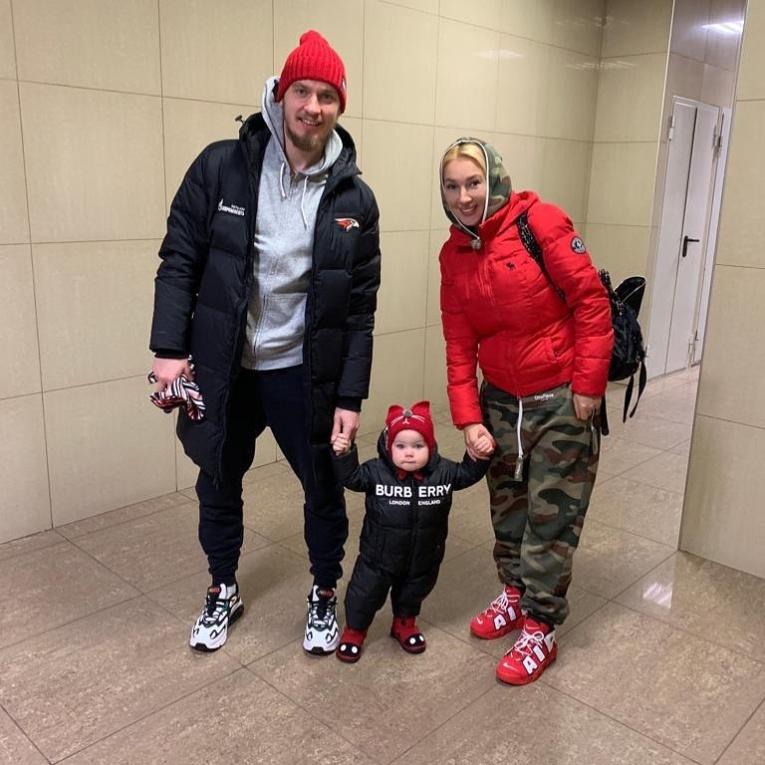 Лиза Арзамасова и другие звёзды, которые вышли замуж за спортсменов