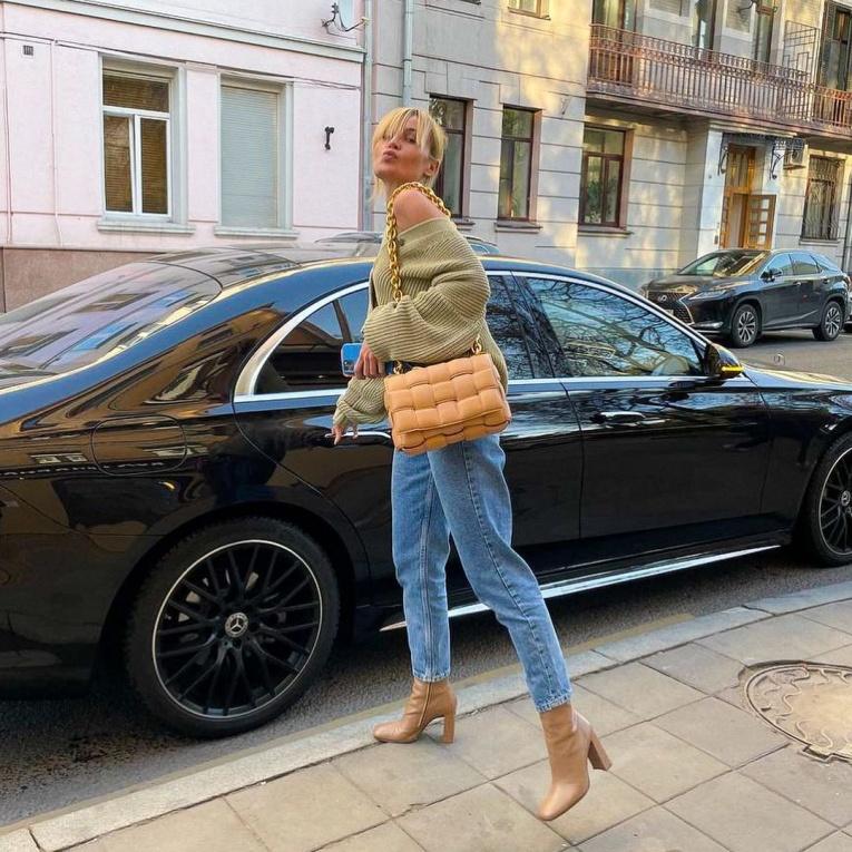 Что носить этой осенью: 15 стильных образов от российских звёзд